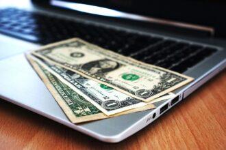 Как заработать деньги, сидя дома в Интернете